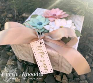 Poinsettia Gift Box 2